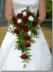 cascade-bridal-bouquet2