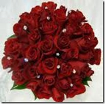 red round bouquet with bling