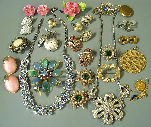All About The Bling How To Choose Bridal Jewelry My Wedding Bag