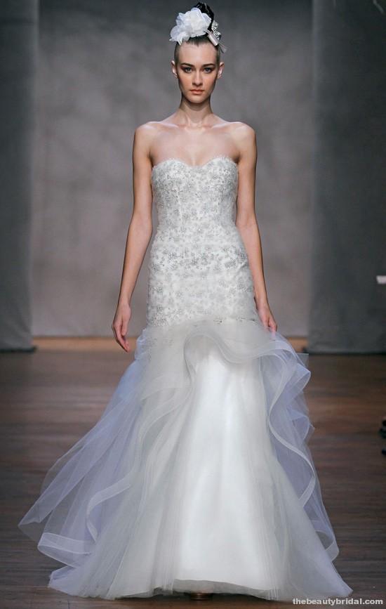 Designer spotlight monique lhuillier my wedding bag for Monique lhuillier wedding dress designers